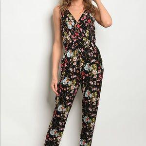 Pants - Jumpsuit In Black Floral
